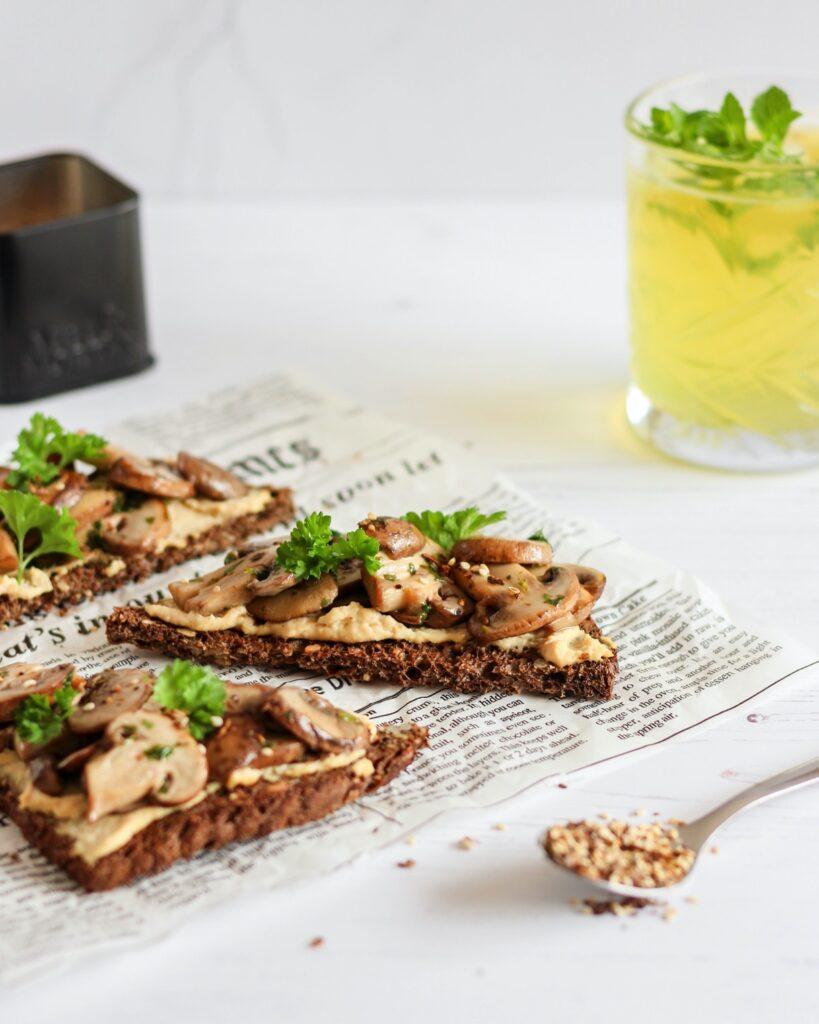 toast champignons hummus