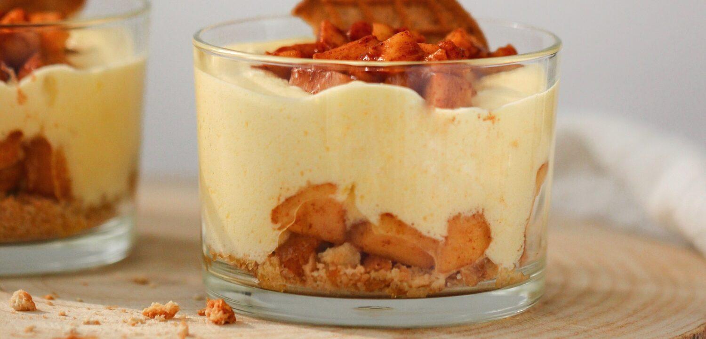 lichte versie appeltaart in een glaasje